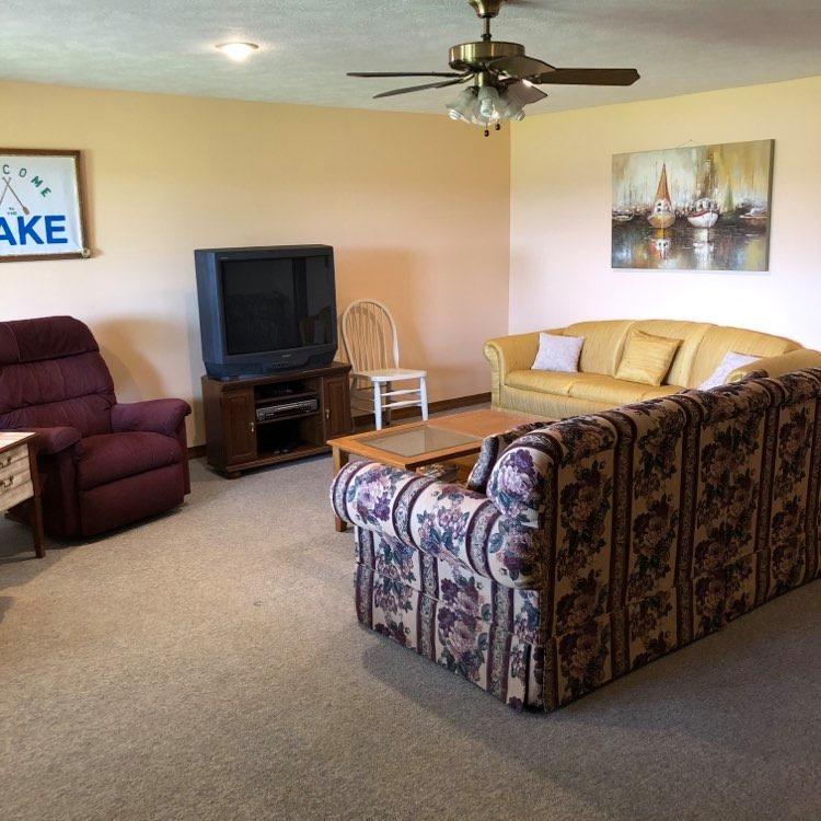 3 bd living room